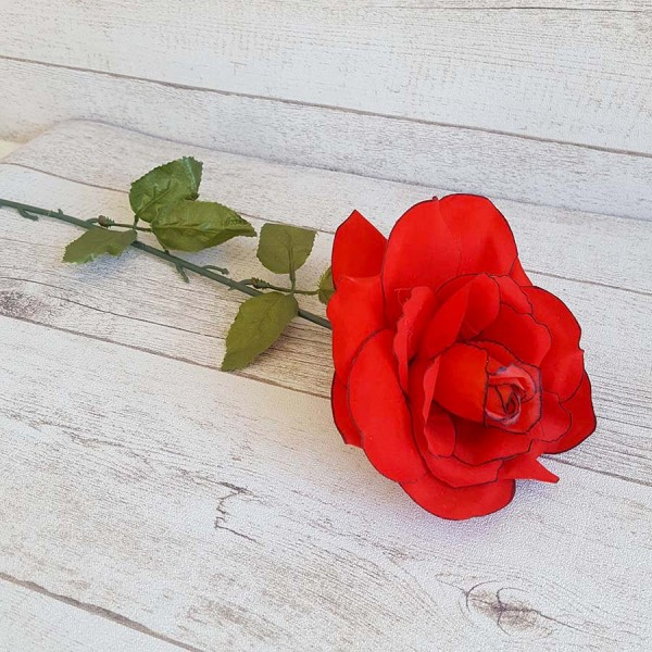 Изкуствена роза червена разцъфнала декорация 60см