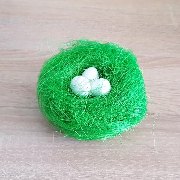 Великденско гнездо с яйца тревичка за декорация украса за панер
