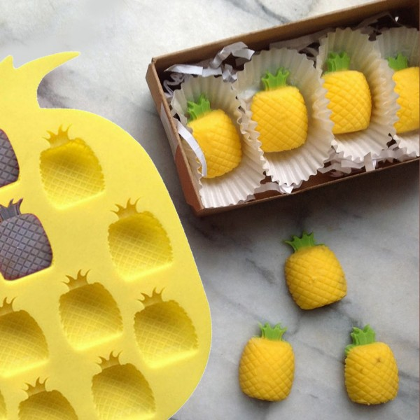 Силиконова форма за лед и бонбони ананас 12 гнезда
