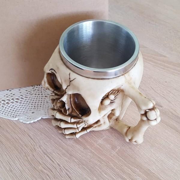 Чаша череп с ръка на устата и паяк с паяжина 400мл