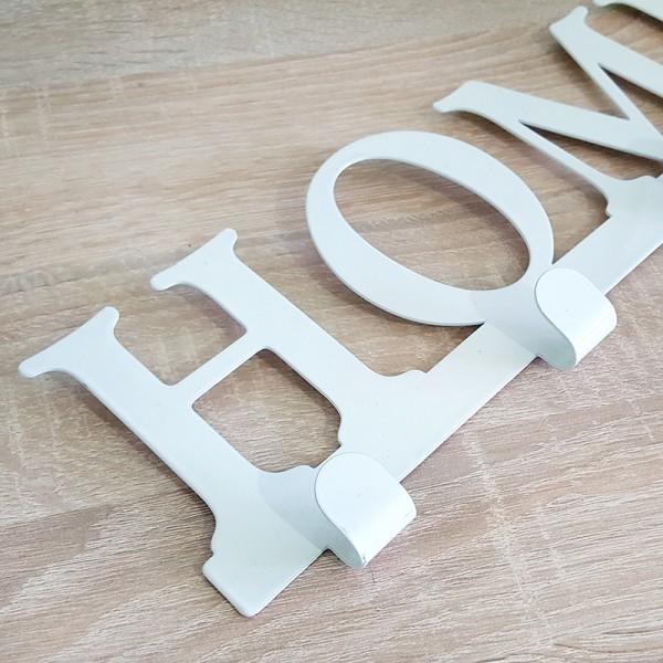 Метална закачалка за стена с надпис HOME