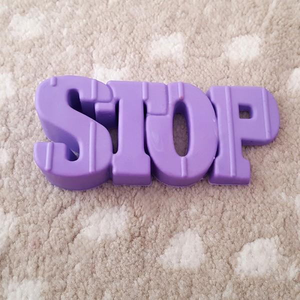 Пластмасов стопер за врата STOP подпирка за врати и прозорци