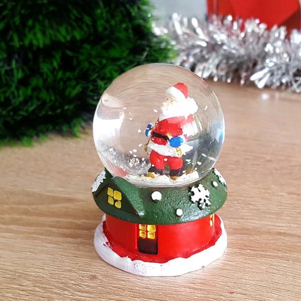 Коледна снежна топка преспапие къщичка с Дядо Коледа или снежко 7см