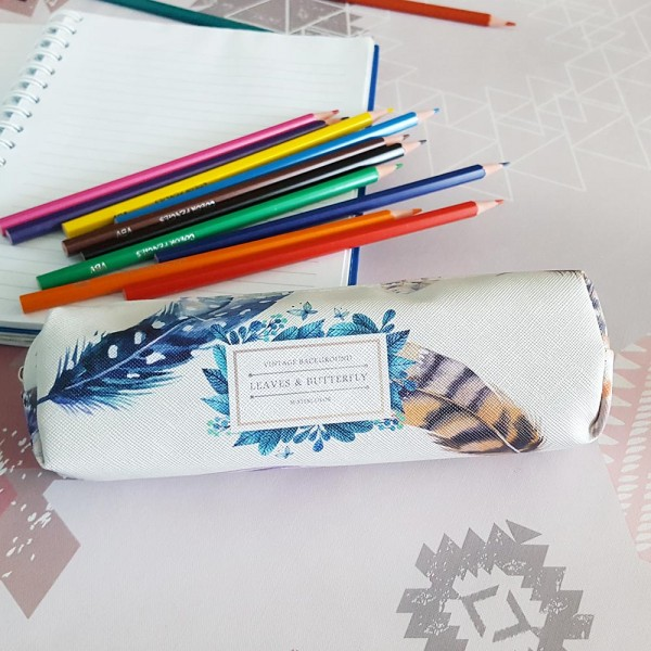 Ученически несесер с нежен принт на пера несесер за моливи