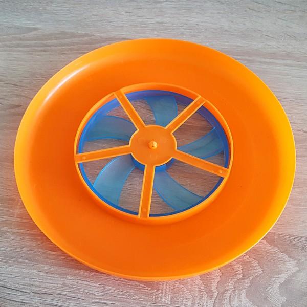 Играчка фризби с отвори пластмасов летящ диск 22.5см