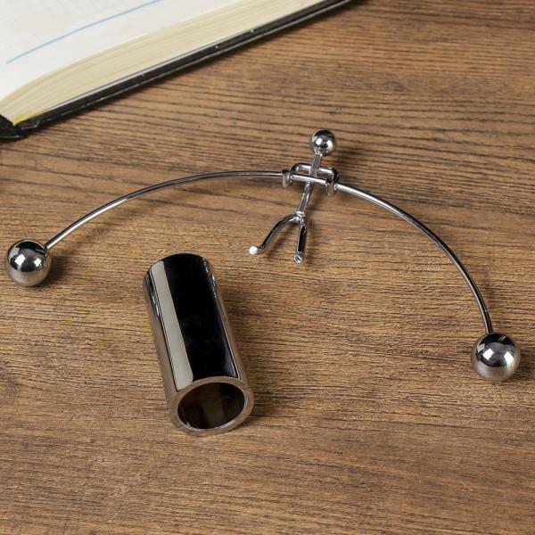 Антистрес махало с форма на щангист подарък офис играчка