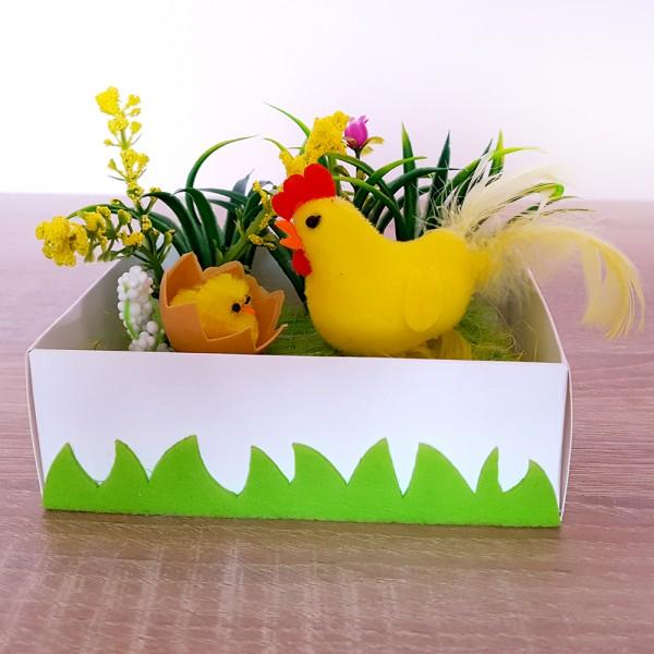 Декорация украса за Великден Кокошка с пиленце и яйца 12x10cm