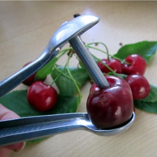 Метален уред за вадене на костилки от череши и маслини