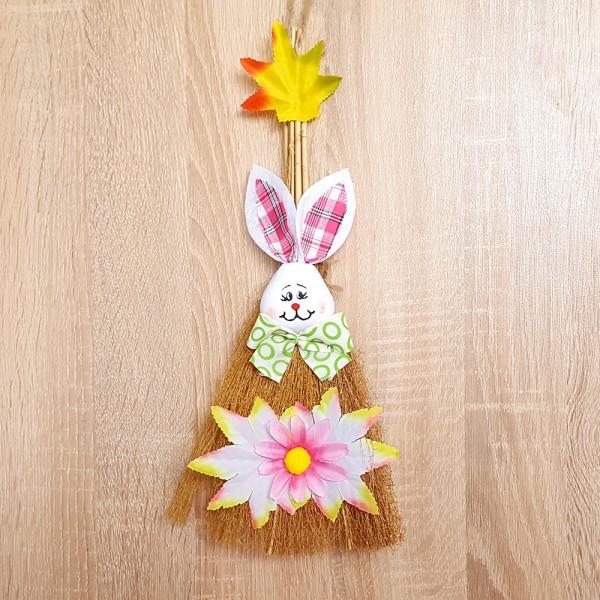 Великденска декорация за стена или врата заек с метла украса за Великден