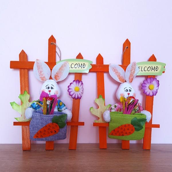 Великденска украса за стена Табелка за врата великденски заек с торба