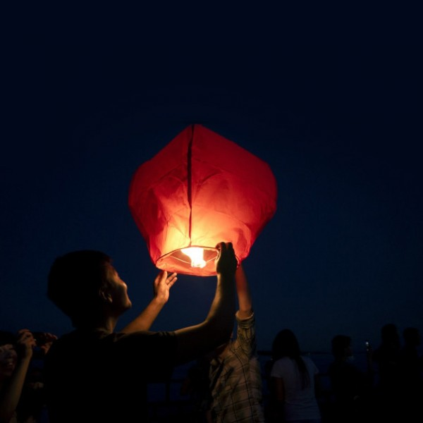 Китайски летящ фенер за пожелания летящи фенери 80см височина