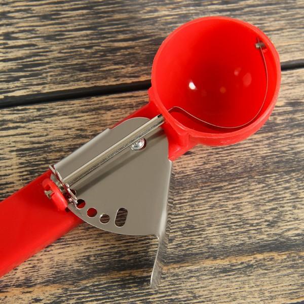 Пластмасова лъжица за сладолед с механизъм 50ml