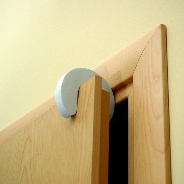 Стопер за врата предпазител против прищипване от малки деца