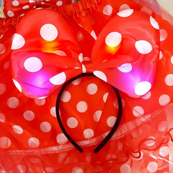 Детски парти комплект Мики Маус - пола, светеща диадема и папионка