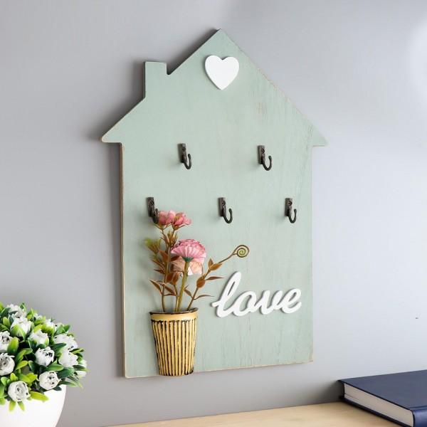 Декоративна закачалка за ключове с декорация и надпис Love